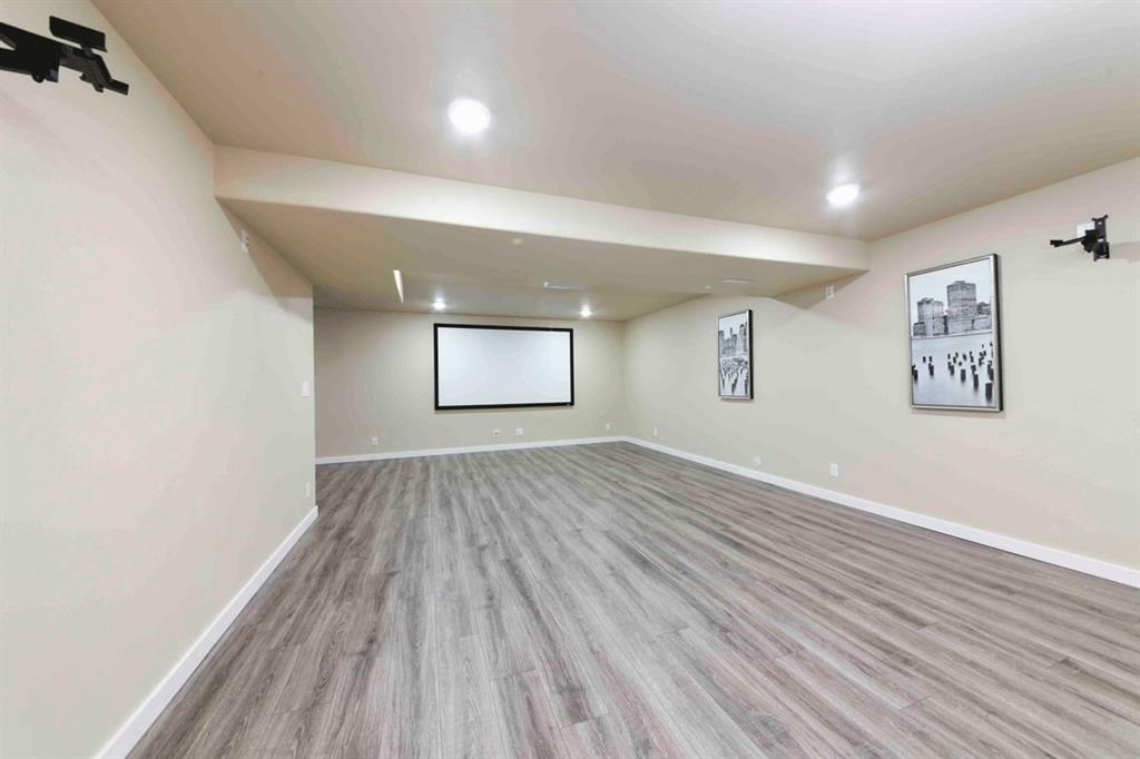 300 Oak Park Circle_basement