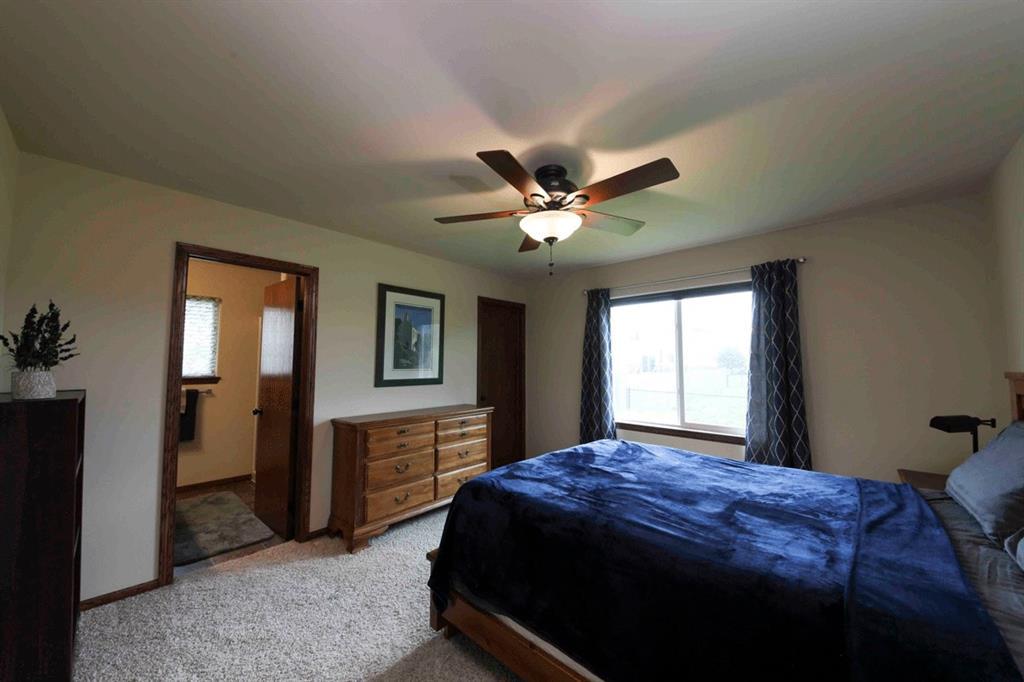 00 Oak Park Circle_bedroom